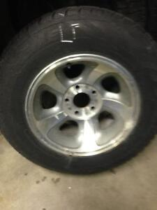 Selling A Set of Gm Chevy S10 Rims With TIRE 215/70R15