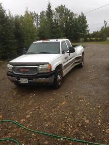 2002 GMC C/K 3500 Pickup Truck/ will trade for Chev or Dodge