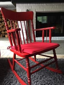 CHAISE BERCEUSE (ROCKING CHAIR) ROUGE