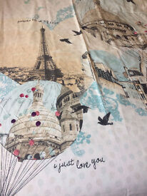 PARIS KINGSIZE DUVET COVER SET New condition