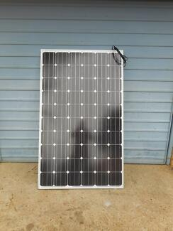 170 watt 20v dc solar panel with 4mtrs cable and reg