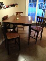 Table an 4 chairs