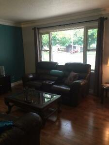 Amazing Value! Rooms for Rent - Working Adults/Students