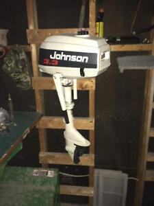 10' fishing boat with seat 3.3 horse power motor