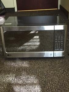 Gently used microwave for sale