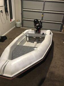 2.7 mac boat with 4hp tohatsu Currimundi Caloundra Area Preview