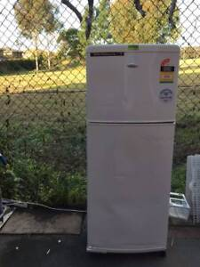 great working 212 liter whripool fridge, can delivery at extra fe Mont Albert Whitehorse Area Preview