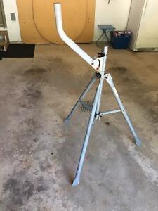 Portable satellite dish Tripod stand