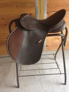 17.5 inch Wintec AP saddle