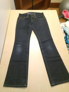 Guess Jeans (Dare Devil Boot Cut) - Size 27 Kitchener / Waterloo Kitchener Area image 2
