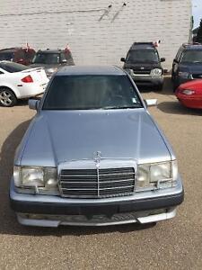 1987 Mercedes-Benz 300-Series AMG MINT WINTER TIRES Edmonton Edmonton Area image 3