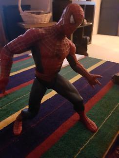 AMAZING SPIDER-MAN FIGURINE EXCELLENT CONDITION