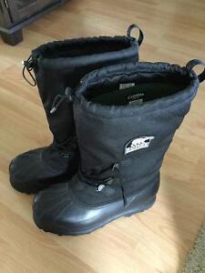 Sorel Glacier winter boots size 16