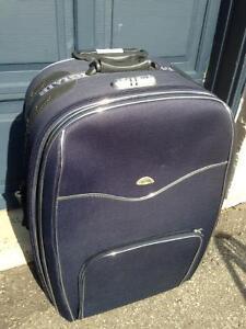 Medium Diglair Luggage/Suitcase