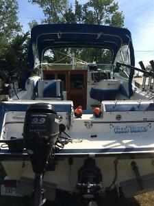 23' Larson Hampton 1990 excellent condition fishing rig