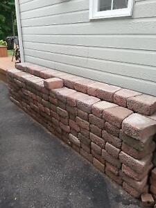 lot de brique, clé de voute et bloc talus