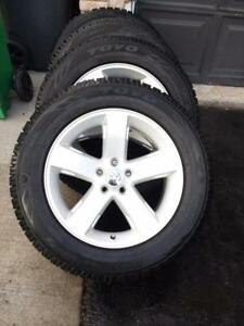 LIKE NEW TOYO OBESERVE GSi5  HIGH PERFORMANCE WINTER TIRES 245 / 60 / 18 MOUNTED ON  DODGE FACTORY OEM  WHEELS
