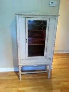 Vaisselier Antique China Cabinet