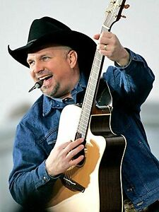 4 TICKETS TO GARTH BROOKS IN ROW 1 OF SKYLOUNGE-D