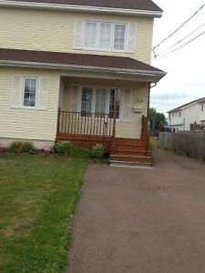 Large Semi-Detached for Rent