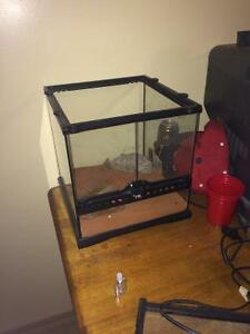 Environment cage for reptiles etc.