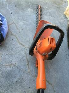 "16"" Hedge trimmer. Black & Decker Kawartha Lakes Peterborough Area image 2"