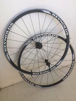 Reynolds Solitude racing wheels