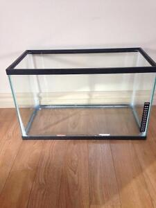 10 GALLON AQUARIUM TANK FOR SALE