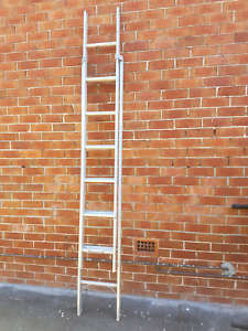 Gorilla extension ladder aluminum ladder Mayfield East Newcastle Area Preview