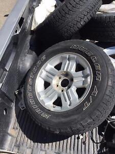 2010 GMC Sierra OEM 18 inch Z71 wheels! LOOK Kawartha Lakes Peterborough Area image 1