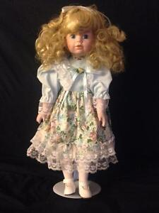 Porcelain Dolls with Stands in Mint Condition Kitchener / Waterloo Kitchener Area image 5
