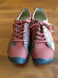 Women's casual shoes /hiking sneaker by Keen