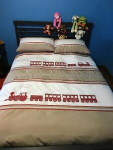 Housse de couette , motif train ,couvre lit