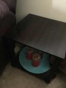 Tow side tables 5$ each