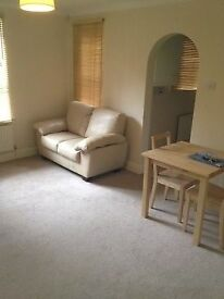Large Studio flat for rent in luxury block Woodside Park N12