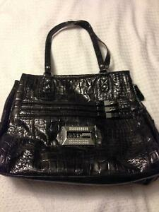 4 Guess Purses For Sale Oakville / Halton Region Toronto (GTA) image 5
