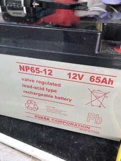 Batteries 12v 65Ah X 2