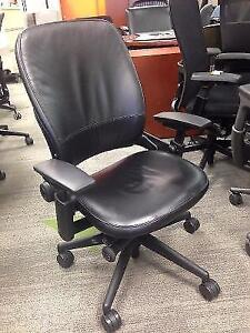 Stealcase Leap V2 Genuine Leathe Chair in excellent condition