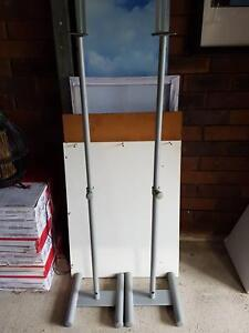 Pair of Adjustable Speaker Stands Regents Park Auburn Area Preview