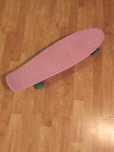 Selling my pink penny board (looks like new)
