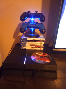 1 Tb PLAYSTATION 4 PS4 + GAMES Bracken Ridge Brisbane North East Preview