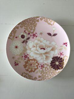 Maxwell Williams plate