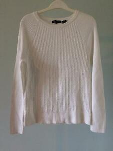 6 Pink and White Tops, Good Condition Comox / Courtenay / Cumberland Comox Valley Area image 8