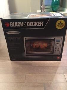 Black and Decker digital rotisserie convection oven brand new