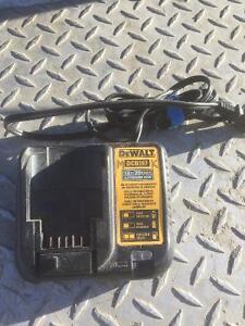 Battery charger dewalt