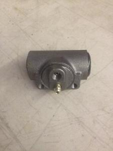 RAYBESTOS Wheel Cylinder for 92-99 Chevy/GMC, WC37781