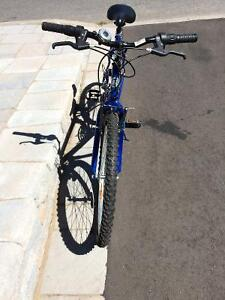 Vélo de marque sci 800 supercycle