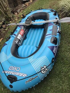 Heavy duty inflatable boat