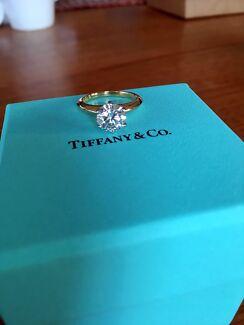 Tiffany & Co The Tiffany® Setting 1.51 Carats 18 K Yellow Gold