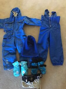 Kids Ski Clothes and Goggles Kensington Grove Lockyer Valley Preview